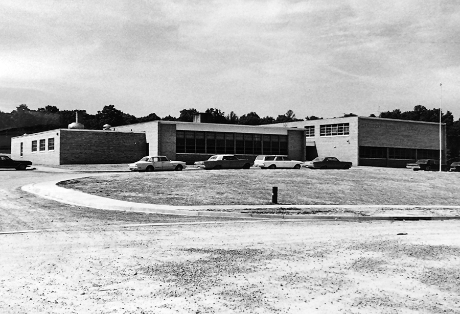 Black and white photograph of Cardinal Forest Elementary School taken around 1969.